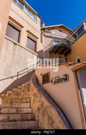 Marseille VALLON DES AUFFES, Bouches du Rhone 13 PACA France Europe // The district of vallon des auffes in Marseille - Stock Photo