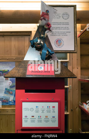 Rovaniemi, Lapland. 08th Feb, 2016. The mailbox for Santa Clause and the year 2016 in the Christmas village at the - Stock Photo