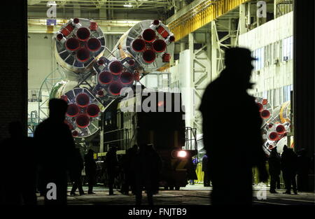 Kazakhstan, Baikonur. 16th Mar, 2016. The Soyuz FG booster rocket with the Soyuz TMA-20M spacecraft transported - Stock Photo