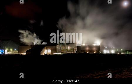 The Svartsengi geothermal power station shot at night - Stock Photo