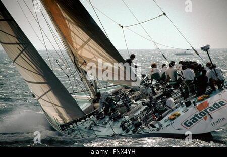 AJAXNETPHOTO. 1989 - SOLENT,ENGLAND. - FASTNET RACE - ITALIAN MAXI YACHT GATORADE TESTS ITS METTLE AT THE START - Stock Photo