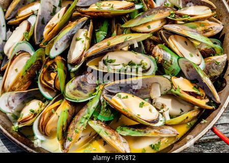 New Zealand Green-Lipped Mussels, Restaurant, Waipu, North island, New Zealand - Stock Photo