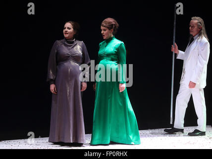 Magdeburg, Germany. 16th Mar, 2016. Roland Fenes (l - r) as Abraham, Julie Martin du Theil as Hagar and Undine Dreissig - Stock Photo