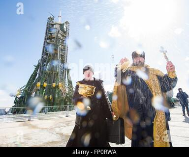 Baikonur Cosmodrome, Kazakhstan. 17th March, 2016. A Russian Orthodox priest blesses the Soyuz TMA-20M spacecraft - Stock Photo