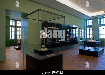 Dresden, Germany. 17th Mar, 2016. View of the permanent exhibition 'Weltsicht und Wissen um 1600' (lit. 'World outlook and knowsledge around 1600' at the Residence castle in Dresden, Germany, 17 March 2016. The exhibition in the Georgenbau part of the castle opens on 19 march 2016. PHOTO: ARNO BURG/dpa/Alamy Live News