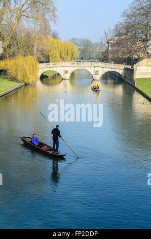 People punting on the River Cam, Cambridge, Cambridgeshire, England, United Kingdom. - Stock Photo