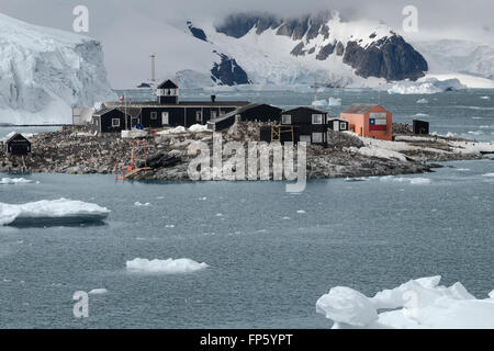 Chilean Antarctic Research base Gonzalez Videla. Situated on the Antarctic Peninsula at Paradise Bay. It is named - Stock Photo