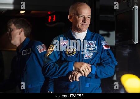 Baikonur, Kazakhstan. 17th Mar, 2016. Crew member of Expedition 47/48, NASA astronaut Jeffrey (Jeff) Williams (C) - Stock Photo
