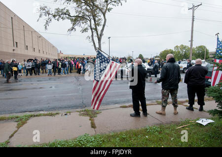 Minneapolis, Minnesota. Neo-Nazi rally. The Neo-Nazi National Socialist Movement demonstrating against an anti-racist - Stock Photo