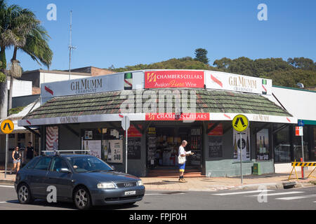 ... Australian bottle shop liquor store in Avalon beach SydneyNew south wales - Stock Photo & australian liquor store off license in sydney new south Stock Photo ...