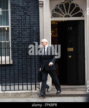 London UK.  16 March 2016  Ian Duncan Smith leaving 10 Downing street after Budget cabinet meeting   ©Michael Tubi/Alamy - Stock Photo