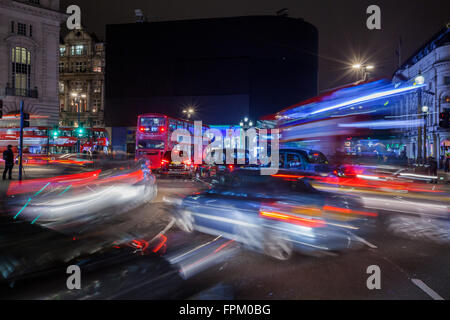 London, UK. 19th Mar, 2016. This saturday, March 19th, at 8:30 PM, for the Earth Hour, the lights went off for 1 - Stock Photo
