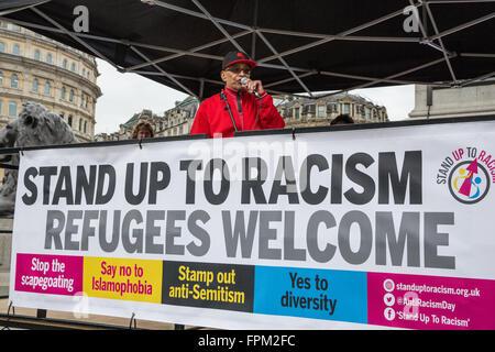 London, UK. 19th March, 2016. Lee Jasper of Black Activists Rising Against Cuts (BARAC) addresses thousands of anti - Stock Photo