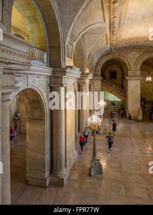 New York Public Library - Stephen A. Schwarzman Building, 5th Avenue, New York City, USA. - Stock Photo