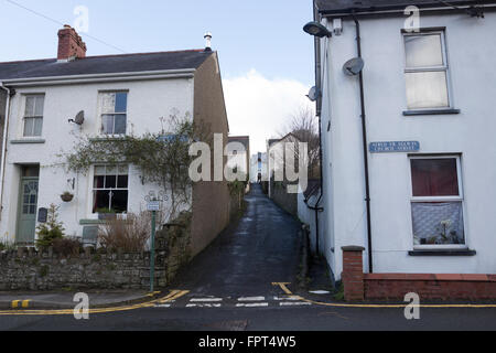 One of the many lanes in Llandysul, West Wales, that connect the three roads in town. - Stock Photo