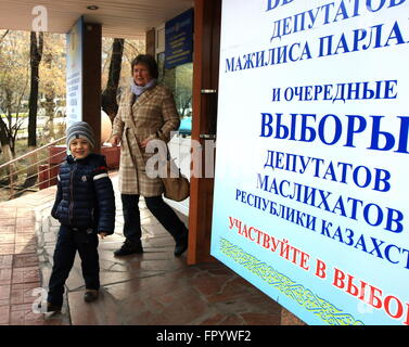 Astana, Kazakhstan. 20th Mar, 2016. A boy passes by a polling station in Astana, Kazakhstan, March 20, 2016. Voters - Stock Photo