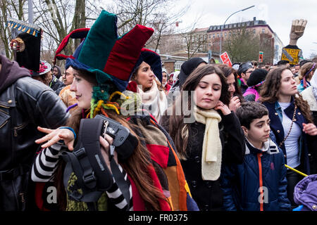 Berlin, Germany. 20th March 2016. Carnival of Refugees (Carnival al-lajiìn_al-lajiàat) takes to the streets. Refugees - Stock Photo