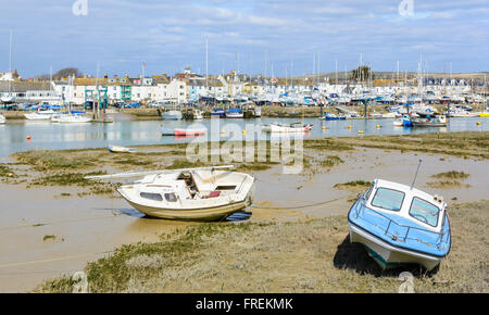 Boats on the River Adur at low tide in Shoreham by Sea, West Sussex, England, UK. - Stock Photo