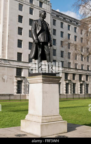 Statue of Air Marshal Lord Hugh Montague Trenchard founder of the Royal Air Force (RAF), London, United Kingdom. - Stock Photo