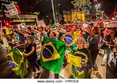 Sao Paulo, Brazil. 23rd March, 2016. Demonstrators protested in São Paulo on Paulista Avenue on Wednesday night - Stock Photo