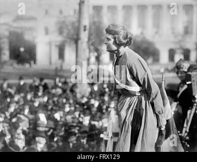 Lucy Gwynne Branham, an American suffragette and organizer for the National Women's Party, speaking at a rally c.1919. - Stock Photo