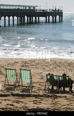 Bournemouth, Dorset, UK 25 March 2016. UK weather: glorious warm sunny day at Bournemouth beaches on Easter Good - Stock Photo