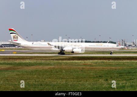 A6-EHE Etihad Airways Airbus A340-642 at Milan, Malpensa - Stock Photo