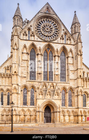 South facade of York Minster, the cathedral church of the Diocese of York, North Yorkshire, England. - Stock Photo