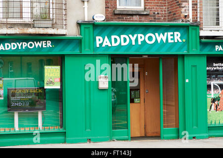 paddypower betting shop bookmakers dublin Ireland - Stock Photo
