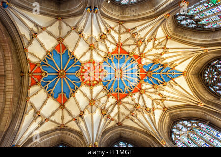 The chancels decorated vaulted ceiling in Tewkesbury Abbey. Tewkesbury, Gloucestershire, England. - Stock Photo