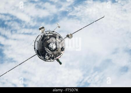 The Soyuz TMA-20M spacecraft approaches the International Space Station to dock March 19, 2016 in Earth Orbit. The - Stock Photo