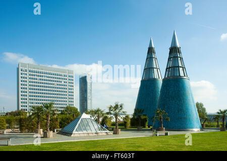 Deutschland, Nordrhein-Westfalen, Bonn, am Dach der Kunst- und Ausstellungshalle der Bundesrepublik Deutschland - Stock Photo