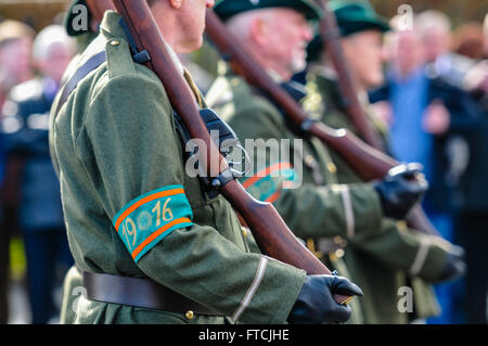 Belfast, Northern Ireland. 27 Mar 2016 - Men dressed as soldiers from the Irish Citizens Army with reproduction - Stock Photo