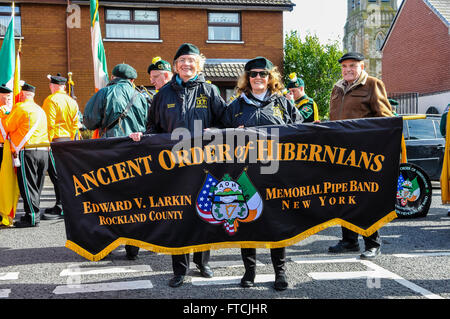 Belfast, Northern Ireland. 27 Mar 2016 - Members of the Edward V. Larking Memorial Pipe Band from Rockland County, - Stock Photo