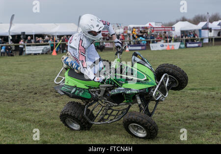 The Living Heritage Country show.The stunt mania motor cycle display team. Credit:  Scott Carruthers/Alamy Live - Stock Photo