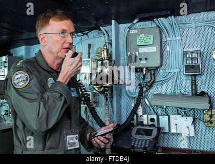 150403-N-FI568-024MEDITERRANEAN SEA (April 3, 2015) Commander, U.S. 6th Fleet Vice Adm. James G. Foggo III addresses - Stock Photo