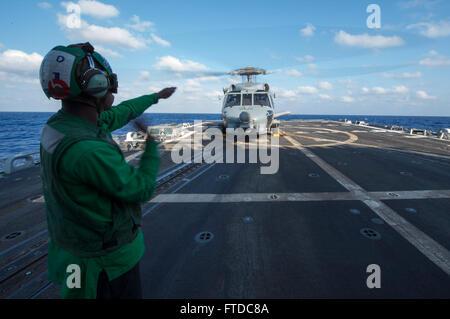 130917-N-NU634-049 MEDITERRANEAN SEA (Sept. 17, 2013) Aviation Electronics Technician 3rd Class Marqueze Coleman, - Stock Photo