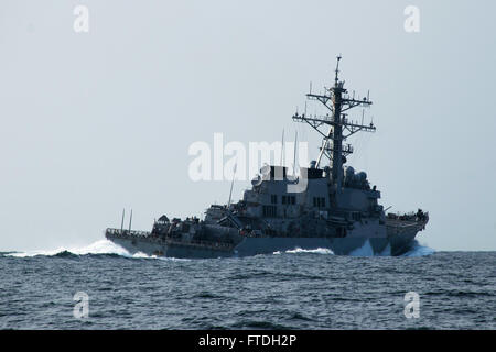151023-N-AX546-119 BLACK SEA (Oct. 23, 2015) USS Porter (DDG 78) performs evasive maneuvers during a simulated small - Stock Photo