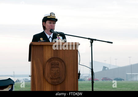 160128-N-MW990-101 NAVAL STATION ROTA, Spain (Jan. 28, 2016) Cmdr. Andria Slough, commanding officer, USS Porter - Stock Photo