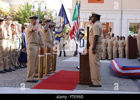 140916-N-OX801-035 NAPLES, ITALY (Sept. 16, 2014) The 6th fleet color guard team presents the colors in front of - Stock Photo