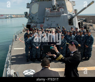 : MEDITERRANEAN SEA (April 1, 2014) - Secretary of the Navy Ray Mabus films a Navy spot with members of the crew - Stock Photo