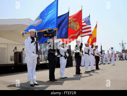 140609-N-BS486-774: NAVAL STATION ROTA, Spain (June 16, 2014) – Naval Station Rota's color guard presents colors - Stock Photo