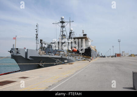 150504-N-VJ282-222 NAVAL STATION ROTA, Spain (May 4, 2015) The Military Sealift Command rescue and salvage ship - Stock Photo