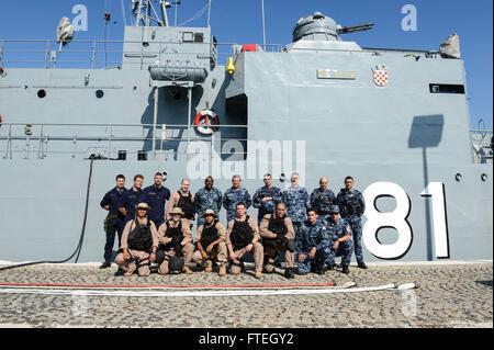 SPLIT, Croatia (Oct. 7, 2014) Sailors from the amphibious transport dock ship USS Mesa Verde (LPD 19) and members - Stock Photo