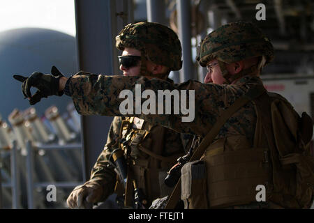 STRAIT OF GIBRALTAR (Dec. 27, 2014) Marines with Combined Anti-Armor Team 2, Weapons Company, Battalion Landing - Stock Photo