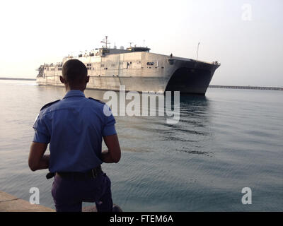 SECONDI NAVAL BASE, Ghana (Feb. 24, 2015) A Ghanaian military member stands by as the Military Sealift Command's - Stock Photo