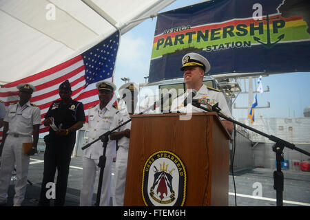 SEKONDI, Ghana (Feb. 24, 2015) U.S. 6th Fleet Vice Commander, Rear Adm. Tom Reck, offers remarks at the closing - Stock Photo