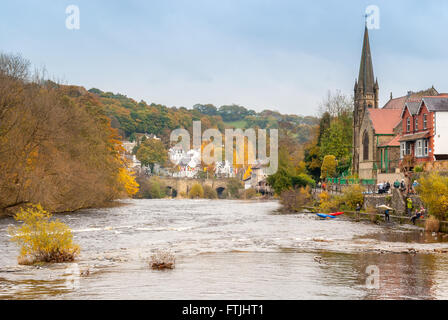 River Dee and Llangollen a popular gateway tourist destination on the route of the old A5 - Stock Photo