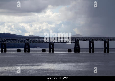 Dundee, Tayside, Scotland, UK, March 29th 2016. UK Weather: It was a dry bright start with some good sunny spells - Stock Photo