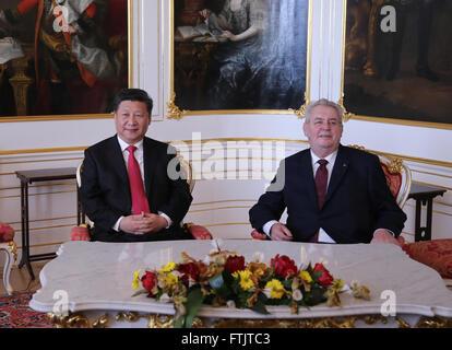 Prague, Czech Republic. 29th Mar, 2016. Chinese President Xi Jinping (L) holds talks with Czech President Milos - Stock Photo